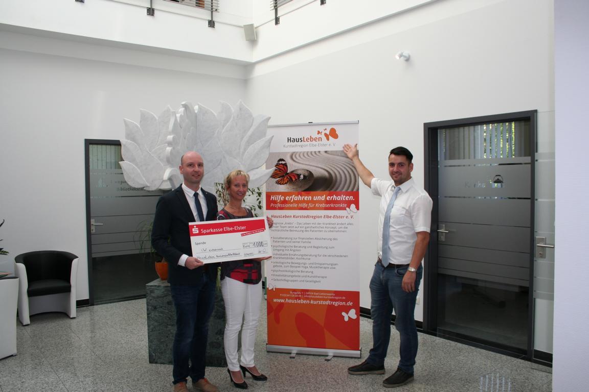 Haus- und Grundbesitzgesellschaft Bad Liebenwerda mbH unterstützt HausLeben Kurstadtregion Elbe-Elster e.V. mit großzügiger Spende